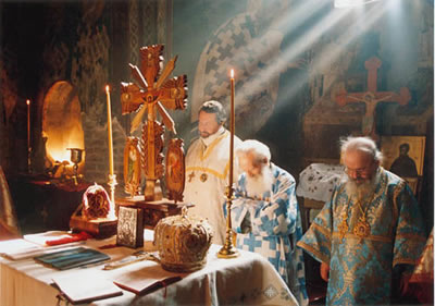 Photo of the Divine Liturgy at Decani Monastery
